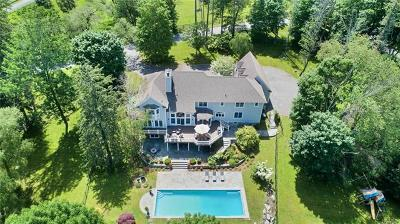 Bedford Single Family Home For Sale: 1 Great Hills Farm Road