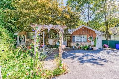 Greenwood Lake Single Family Home For Sale: 4 Fernwood Drive