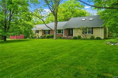Westchester County Single Family Home For Sale: 25 Ebenezer Lane
