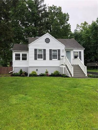 Nanuet Single Family Home For Sale: 28 Sherwood Drive