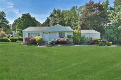 Nanuet Single Family Home For Sale: 157 Blauvelt Road