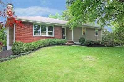 Poughkeepsie Single Family Home For Sale: 55 Kingwood Drive