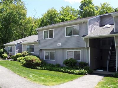 Westchester County Condo/Townhouse For Sale: 142 Flintlock Way #B