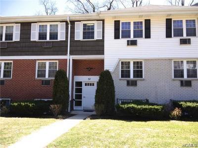 Mount Vernon Condo/Townhouse For Sale: 57 Lorraine Terrace #236