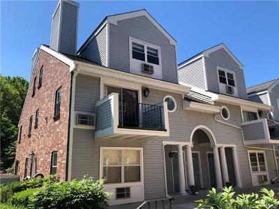 White Plains Condo/Townhouse For Sale: 36 Greenridge Avenue #302