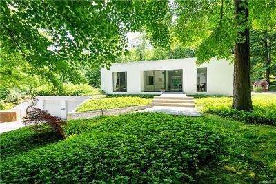 Chappaqua Single Family Home For Sale: 2 Wild Cat Road