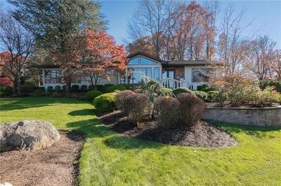 Rockland County Single Family Home For Sale: 33 Snowdrop Drive
