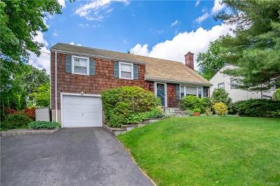Port Chester Single Family Home For Sale: 50 Tower Hill Drive