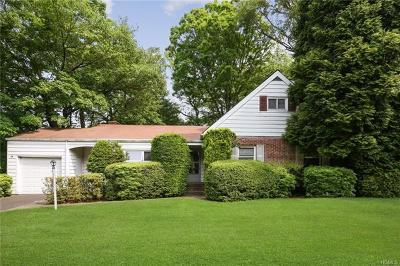New Rochelle Single Family Home For Sale: 14 Bayberry Lane