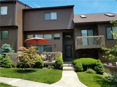 Nanuet Condo/Townhouse For Sale: 7 Linden Lane