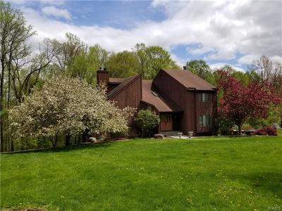 Putnam County Single Family Home For Sale: 26 Stonewall Farm Road