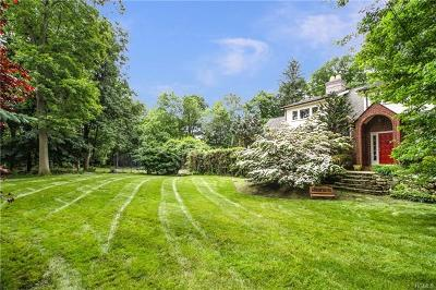 Scarsdale Single Family Home For Sale: 220 Underhill Road