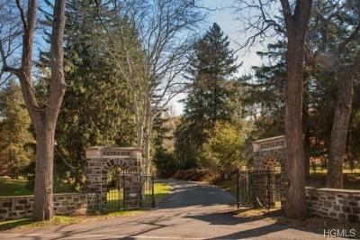Cortlandt Manor Single Family Home For Sale: 4 Bonham Lane