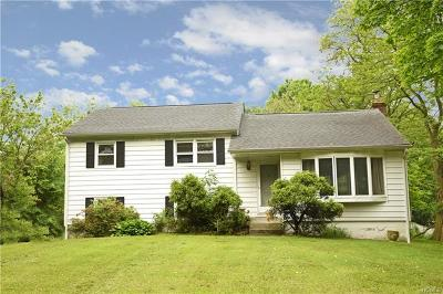 Yorktown Heights Single Family Home For Sale: 2438 Crompond Road