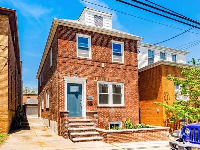 Pelham Bay Single Family Home For Sale: 2863 Harrington Avenue