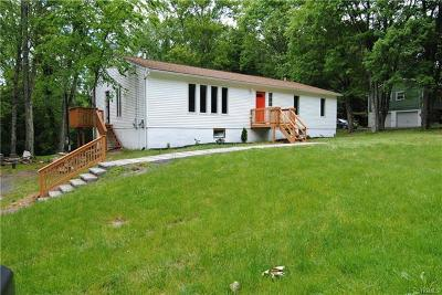 Middletown Single Family Home For Sale: 95 Fair Oaks Road