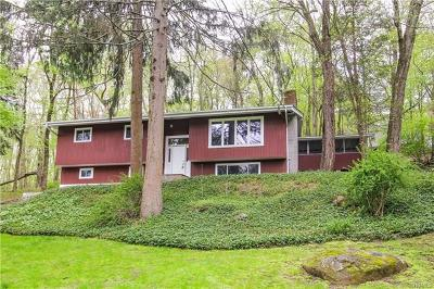 Croton-On-Hudson Single Family Home For Sale: 28 Watch Hill Road