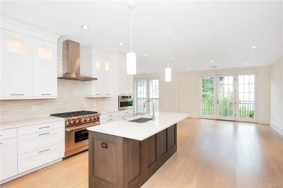 Bronxville Condo/Townhouse For Sale: 15 Kensington #312