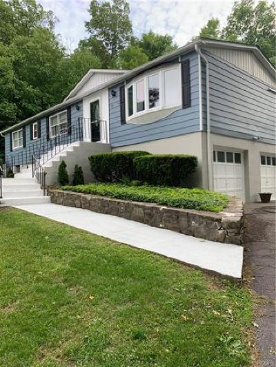 Wallkill Single Family Home For Sale: 448 Strawridge Road