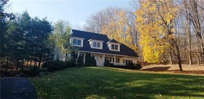 Rockland County Single Family Home For Sale: 5 Sherwood Farms Court