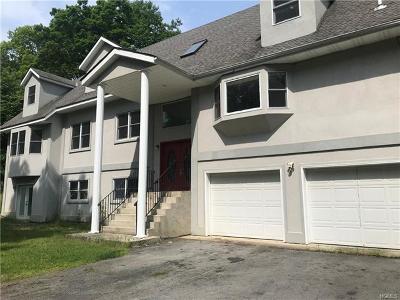 Middletown Single Family Home For Sale: 67 Roosevelt Avenue