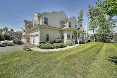 Dutchess County Condo/Townhouse For Sale: 5107 Boulder Way