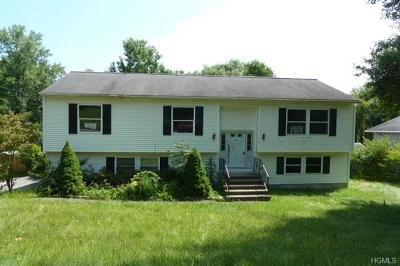 Mohegan Lake Single Family Home For Sale: 3202 Lexington Avenue