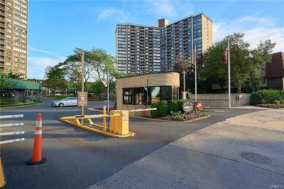 Condo/Townhouse For Sale: 2 Bay Club Drive #1f