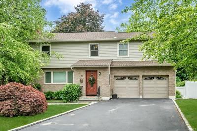 Westchester County Single Family Home For Sale: 8 Woodlot Road