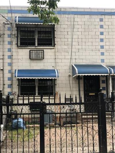 Bronx Single Family Home For Sale: 1211 Simpson Street