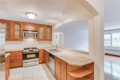 Westchester County Condo/Townhouse For Sale: 2 Walnut Street #A9