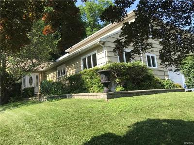 White Plains Single Family Home For Sale: 209 Wood Hampton