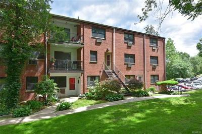 Westchester County Co-Operative For Sale: 59 Fieldstone Drive #15