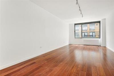 New York Condo/Townhouse For Sale: 2 South End Avenue #9H