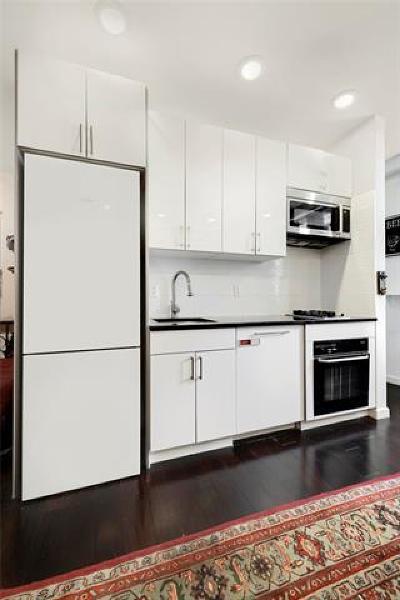 New York Condo/Townhouse For Sale: 61 Lexington Avenue #4/5D