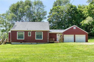 Westchester County Single Family Home For Sale: 2 Spring Hill Road