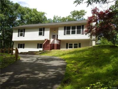 Orange County Single Family Home For Sale: 15 Hidden Valley Road