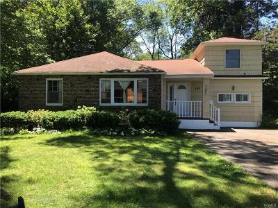 Nanuet Single Family Home For Sale: 107 Grandview Avenue
