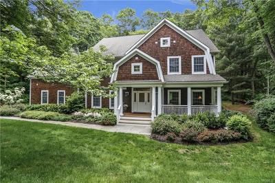 Westchester County Single Family Home For Sale: 39 Brook Farm Road