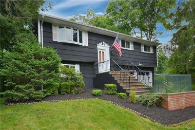 Cortlandt Manor Single Family Home For Sale: 42 Lakeview Avenue West