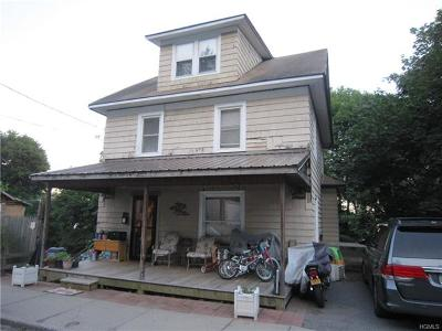 Middletown Single Family Home For Sale: 42-44 Beacon Street