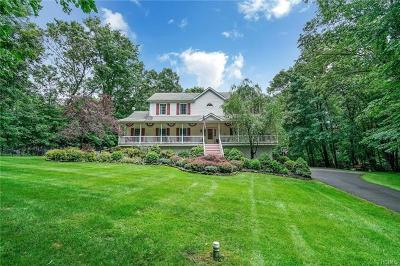 Cortlandt Manor Single Family Home For Sale: 10 Stonefield Court