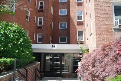 Westchester County Co-Operative For Sale: 30 East Hartsdale Avenue #2D