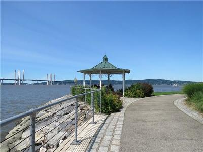 Sleepy Hollow Condo/Townhouse For Sale: 109 River Street #109