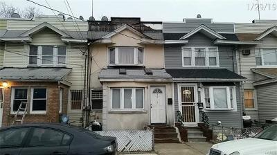 Single Family Home For Sale: 92-16 77 Street