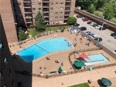 Westchester County Co-Operative For Sale: 100 Diplomat Drive #8 p