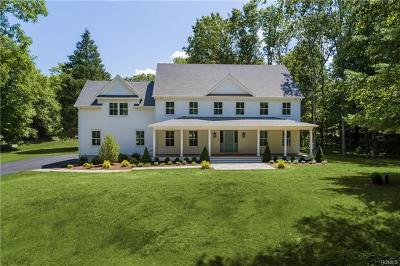 Westchester County Single Family Home For Sale: 70 Old Corner Road
