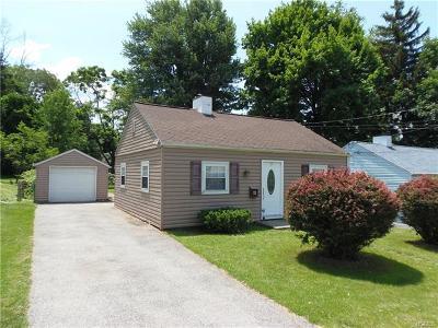 Newburgh Single Family Home For Sale: 11 Gardner Street