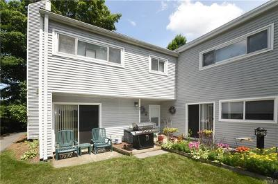 Bedford Hills Condo/Townhouse For Sale: 208 Harris Road #AA1