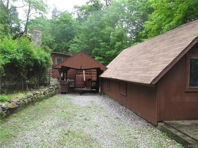 Greenwood Lake Single Family Home For Sale: 8 Serenity Road